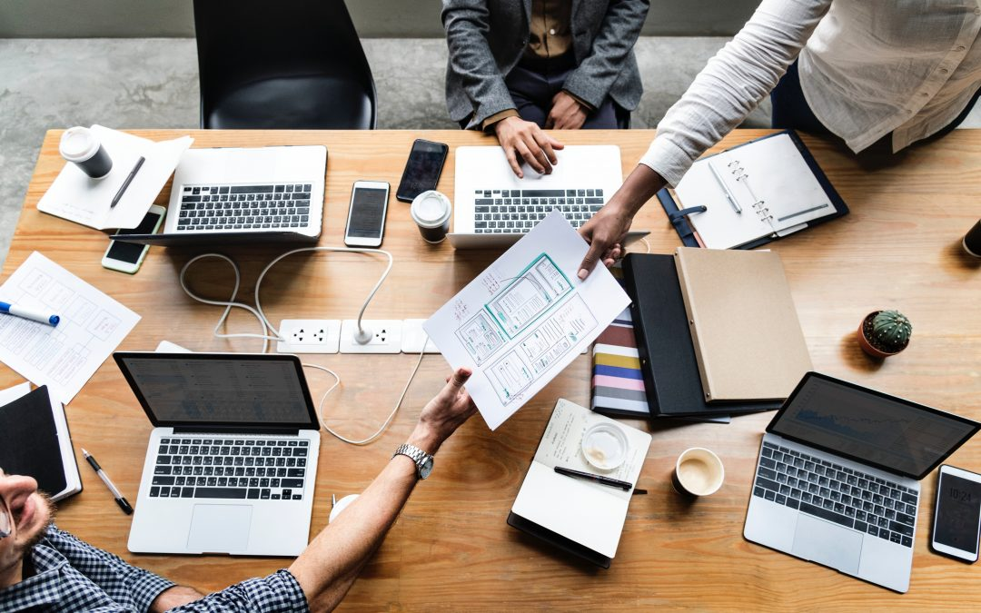 How Custom Software Development for Management Consulting Firms Improves Efficiency and Grows Revenue