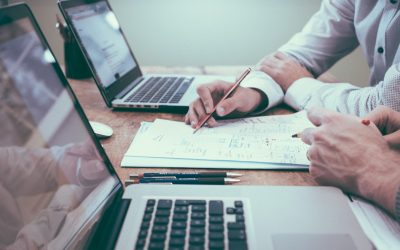 How Custom Software Helps Financial Services Stand Out From Competitors